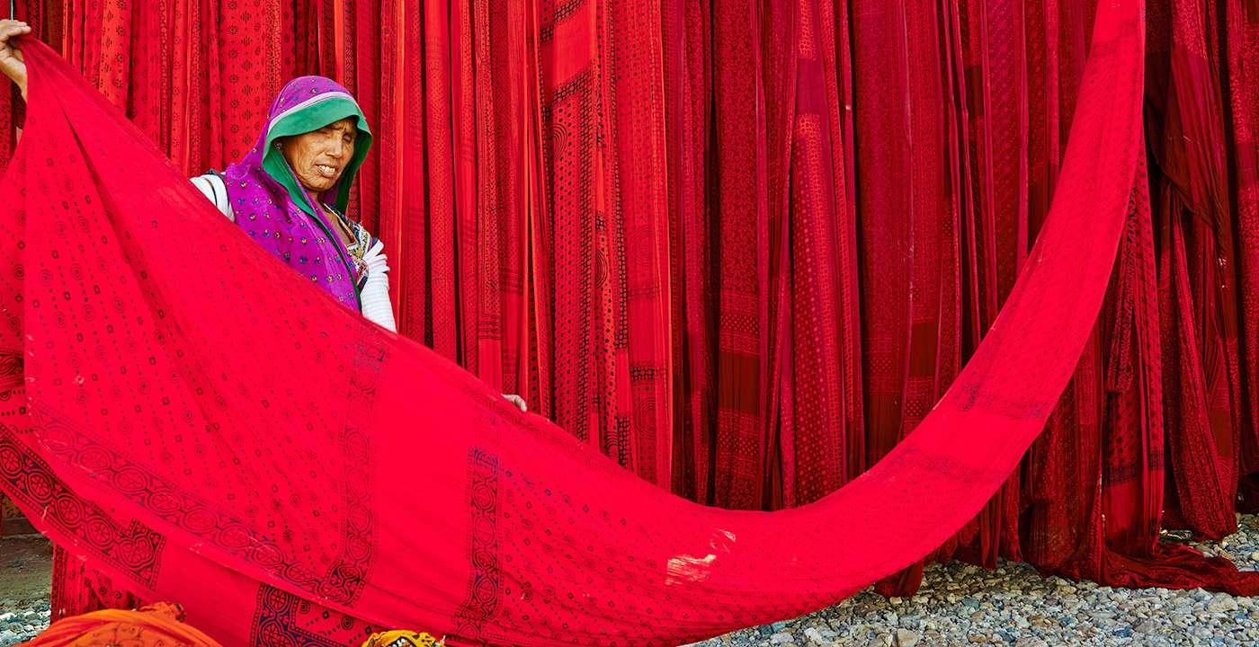 1400-hero-jaipur-india-Sari-Factory-rajasthan.imgcache.rev1422384803960.web_